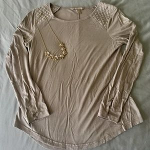 {BR} Taupe Quilted Shoulder Long-sleeve Tee